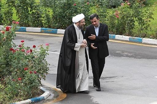 محمود احمدی نژاد و صادق آملی لاریجانی